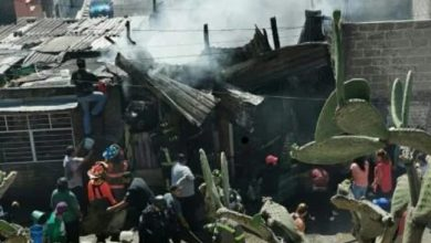 "Photo of Se incendia casa de cartón en ""Cartonlandia"""